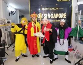 Chủ salon tóc Trương Ngọc Sơn với trang phục độc đáo Thầy tròĐườngTăng