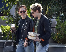 Kristen Stewart lại có bạn gái mới?