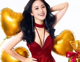 Người đẹp gây nuối tiếc nhất Hoa hậu Việt Nam 2018 tung ảnh Noel rực rỡ