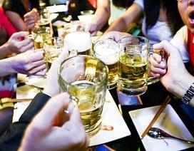 """Sức khỏe người Việt bị """"ăn mòn"""" vì uống hơn 3 tỷ lít bia rượu mỗi năm"""