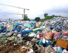 Quảng Nam: Rác thải tồn ứ thành núi vì xã thiếu nợ!
