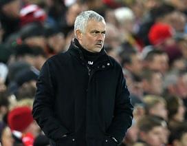 """MU bị tố đối xử """"cạn tàu ráo máng"""" với HLV Mourinho"""