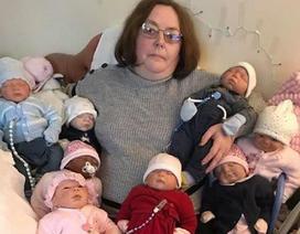 Bà mẹ chi hơn 118 triệu đồng để mua quần áo cho búp bê