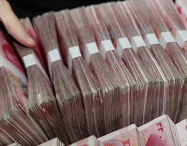 """Quan chức Trung Quốc gửi tiền công vào ngân hàng """"ruột"""" để con gái được thưởng hàng triệu NDT"""
