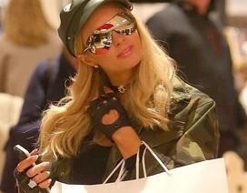 Paris Hilton sành điệu ra phố mua sắm