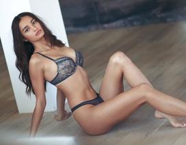Vẻ đẹp nóng bỏng của chân dài Philippines trình diễn cho Victoria's Secret