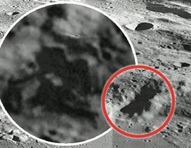 Phát hiện kiến trúc bí ẩn trên Mặt Trăng