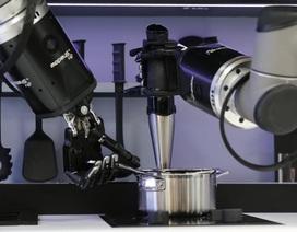 Samsung dùng nhầm iPhone quảng cáo cho Note 9, Robot nấu ăn chuẩn bị xuất xưởng