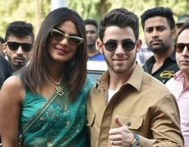 Vợ chồng Priyanka Chopra - Nick Jonas xuất hiện sau đám cưới