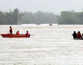 Hồ thủy điện thủy lợi tiếp tục xả lũ, 1 người bị lũ cuốn trôi