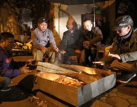 Cuộc sống mưu sinh trong đêm lạnh kỷ lục ở Hà Nội