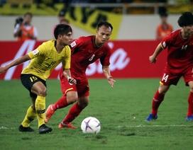 Vé bán kết lượt về sốt đỉnh điểm, tuyển thủ Việt Nam lại đau đầu