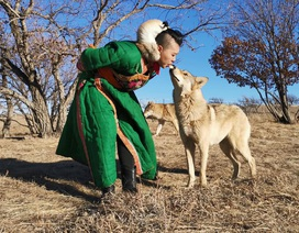 Làm mẹ của bầy sói, cô gái khiến 3 người bạn trai lần lượt chia tay vì quá sợ hãi