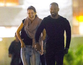 Katie Holmes cười rạng ngời bên bạn trai Jamie Foxx