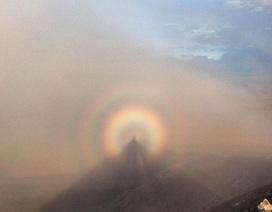 """Kì lạ hiện tượng """"ma núi"""" xuất hiện ở Ireland"""
