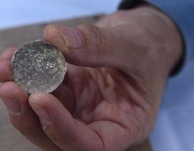 Phát hiện hũ vàng cổ ở Israel