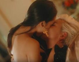 Gây sốc bằng những MV ngập cảnh nóng, ca sĩ trẻ muốn nhạc Việt thụt lùi tới đâu?