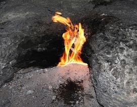 """Giải mã hố sâu """"quỷ Satan"""" bí ẩn ở Mỹ bốc cháy cao 3,6m"""