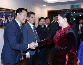 Chủ tịch Quốc hội gặp gỡ đại diện cộng đồng người Việt Nam tại Hàn Quốc