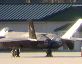Nghi vấn máy bay chiến đấu tàng hình Trung Quốc xuất hiện tại căn cứ Mỹ