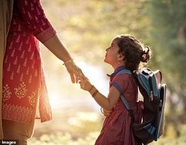 Lo ngại vấn đề cột sống học sinh, Ấn Độ quy định giảm trọng lượng cặp sách