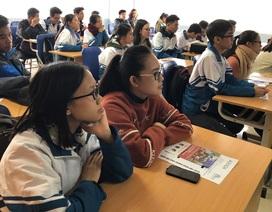 Tuyển sinh 2019: Thí sinh đổ xô chọn ngành học đào tạo bằng tiếng Anh
