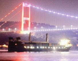 Tàu hải quân Nga chở hàng loạt vũ khí thẳng tiến về Syria