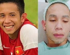 """Chàng trai đặc biệt """"chân đá bóng, tay bán son"""" của U23 Việt Nam"""
