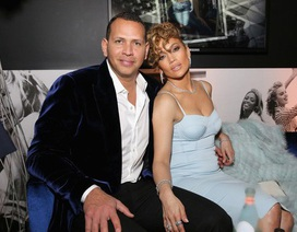 Jennifer Lopez trẻ đẹp ngỡ ngàng