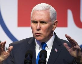 Phó Tổng thống Mỹ tuyên bố tiếp tục cô lập Triều Tiên trên máy bay về nước