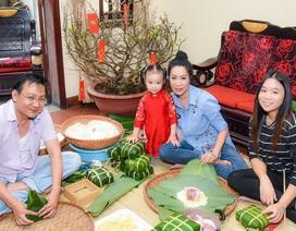 Gia đình Á hậu Trịnh Kim Chi quây quần gói bánh chưng đón Tết