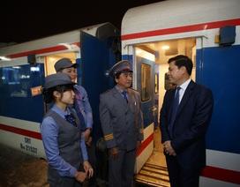 Chuyến tàu Thống Nhất cuối cùng rời ga Hà Nội trong đêm giao thừa