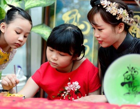 Trẻ em Sài Gòn tìm hiểu về Tết xưa
