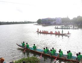 Sôi nổi lễ hội đua thuyền truyền thống đầu năm mới tại Đắk Lắk