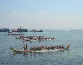 Đảo Lý Sơn: Tưng bừng lễ hội đua thuyền tứ linh