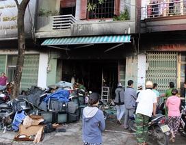 4 người may mắn thoát khỏi ngôi nhà cháy