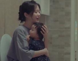 Clip về sự hy sinh của một người mẹ khiến dân mạng rơi nước mắt