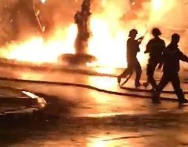 Phòng giao dịch ngân hàng VP bank bốc cháy trong đêm