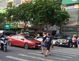 TPHCM: Cho đỗ xe trên lòng đường, thu 31 tỉ đồng mỗi tháng?