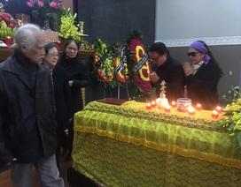 Nghệ sĩ ngậm ngùi tiễn biệt NSND Tuệ Minh, vợ cố nhà văn Nguyễn Đình Thi
