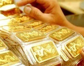Người xát gạo truy tìm chủ nhân số vàng giấu trong... bao lúa