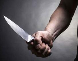 Bị người tình nhỏ hơn 18 tuổi cắt cổ bằng dao chặt dừa