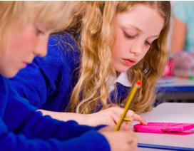 Trẻ khó cầm bút vì dùng iPad quá nhiều?