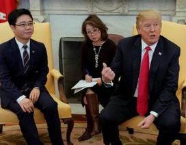 Ông Trump đích thân đón tiếp 8 người đào tẩu Triều Tiên tại Nhà Trắng