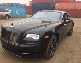 Xôn xao cộng đồng mạng vì xe Rolls-Royce trị giá hàng chục tỷ cập cảng