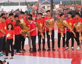 Giới cầu thủ Việt Nam trong những ngày Tết: Vui nhưng không sa đà