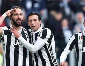 Higuain lập hat-trick, Juventus đại thắng 7-0