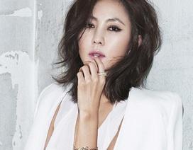 """""""Nữ hoàng quảng cáo xứ Hàn"""" Kim Nam Joo gợi cảm ở tuổi 47"""