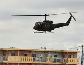 Trực thăng quân sự Nhật Bản lao vào nhà dân