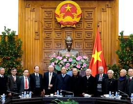 Thủ tướng gặp mặt cựu chuyên gia Việt Nam giúp Campuchia thoát nạn diệt chủng
